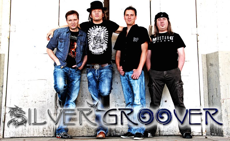 Silvergroover live im Red River