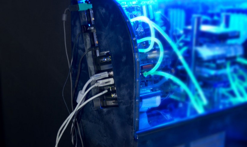 PC-Casemod: Detail » Anschluesse seite