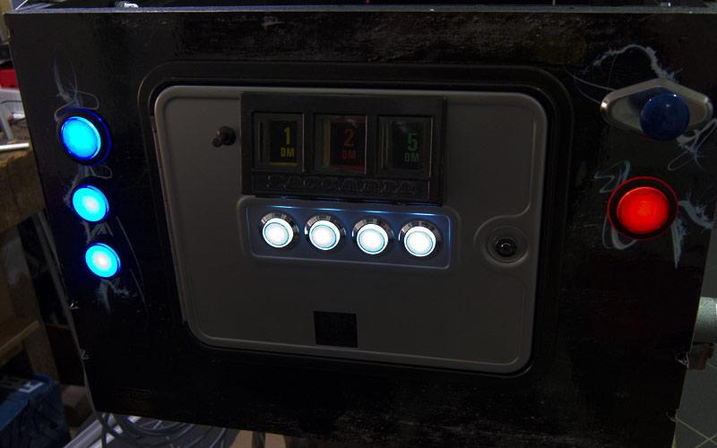 Buttons angeschlossen (außen) / Buttons (first test)