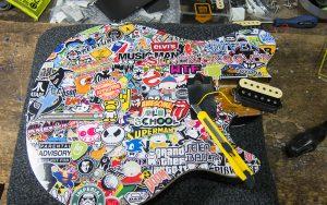 Musicman Axis Stickerbomb ausschneiden