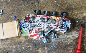 Musicman Axis Stickerbomb Hals Details